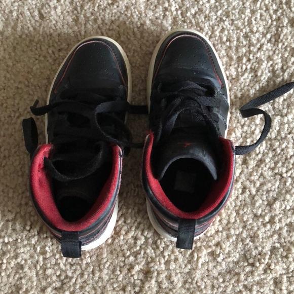 sale retailer ce82b b169e Nike Michael Jordan shoes for kids size 11c